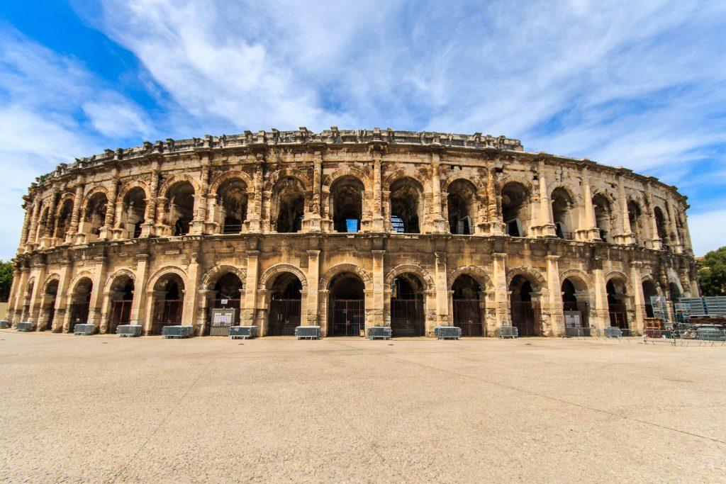 Die Arena von Nimes ist auch ein sehr beeindruckendes Bauwerk. Wenn nur diese neumodischen Absperrungen nicht wären.