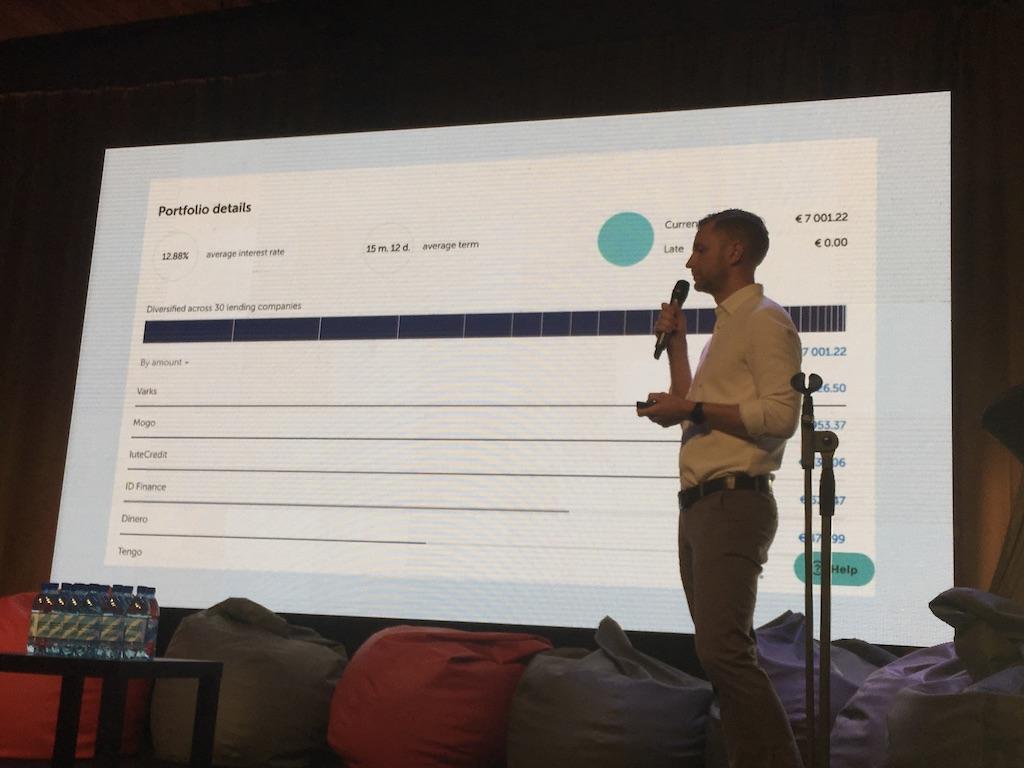 Martins Sulte stellt Mintos Invest & Access auf der P2P Conference 2019 in Riga vor.