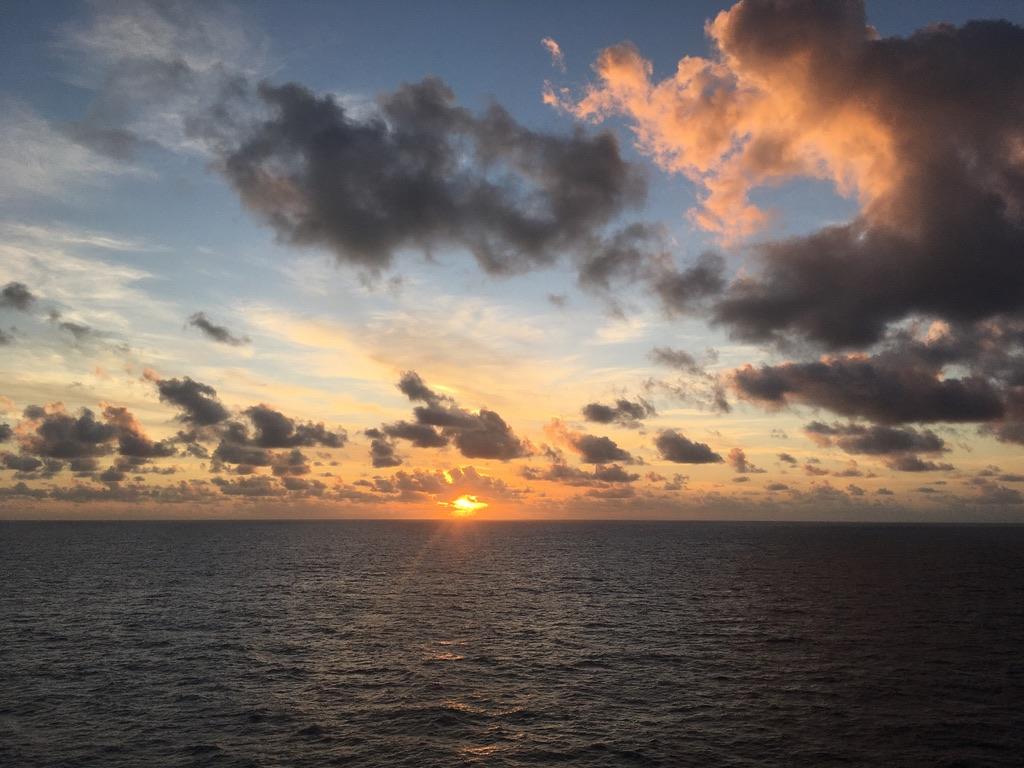 Sonnenuntergang auf dem Atlantik.